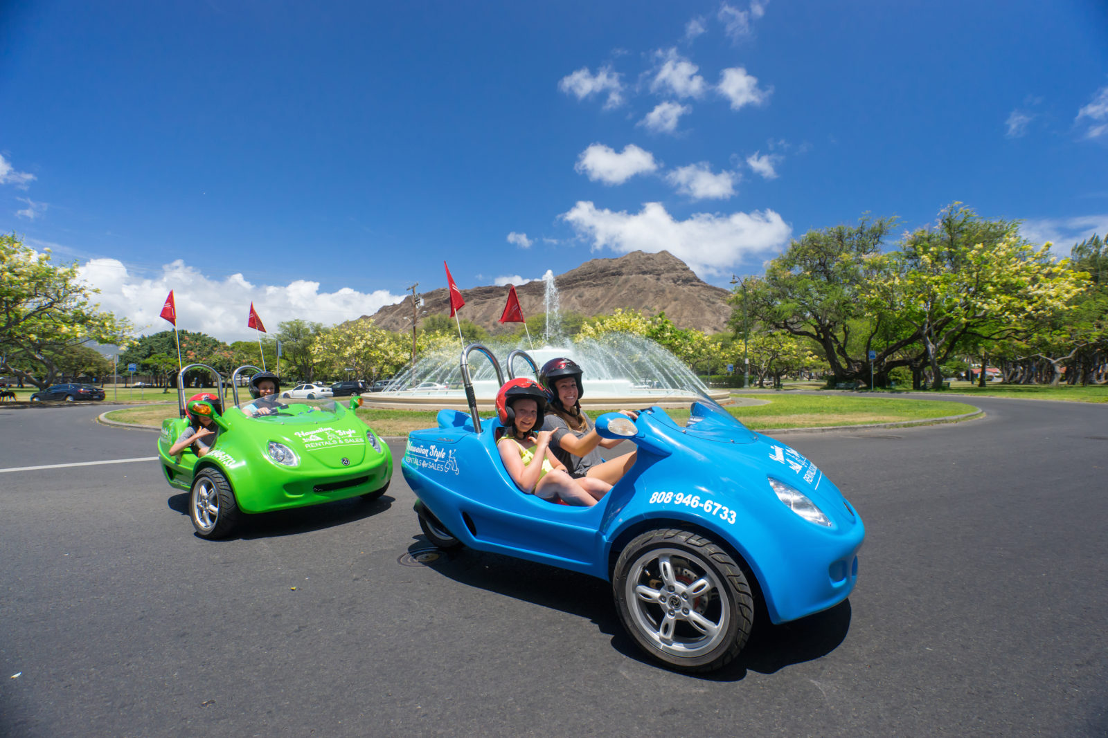 Two Person Moped Rentals In Waikiki Hawaii Scoot Coupe